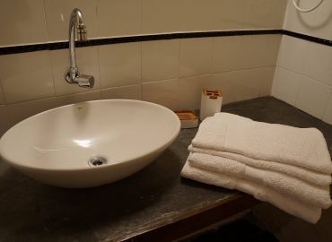 Banheiro com toalhas